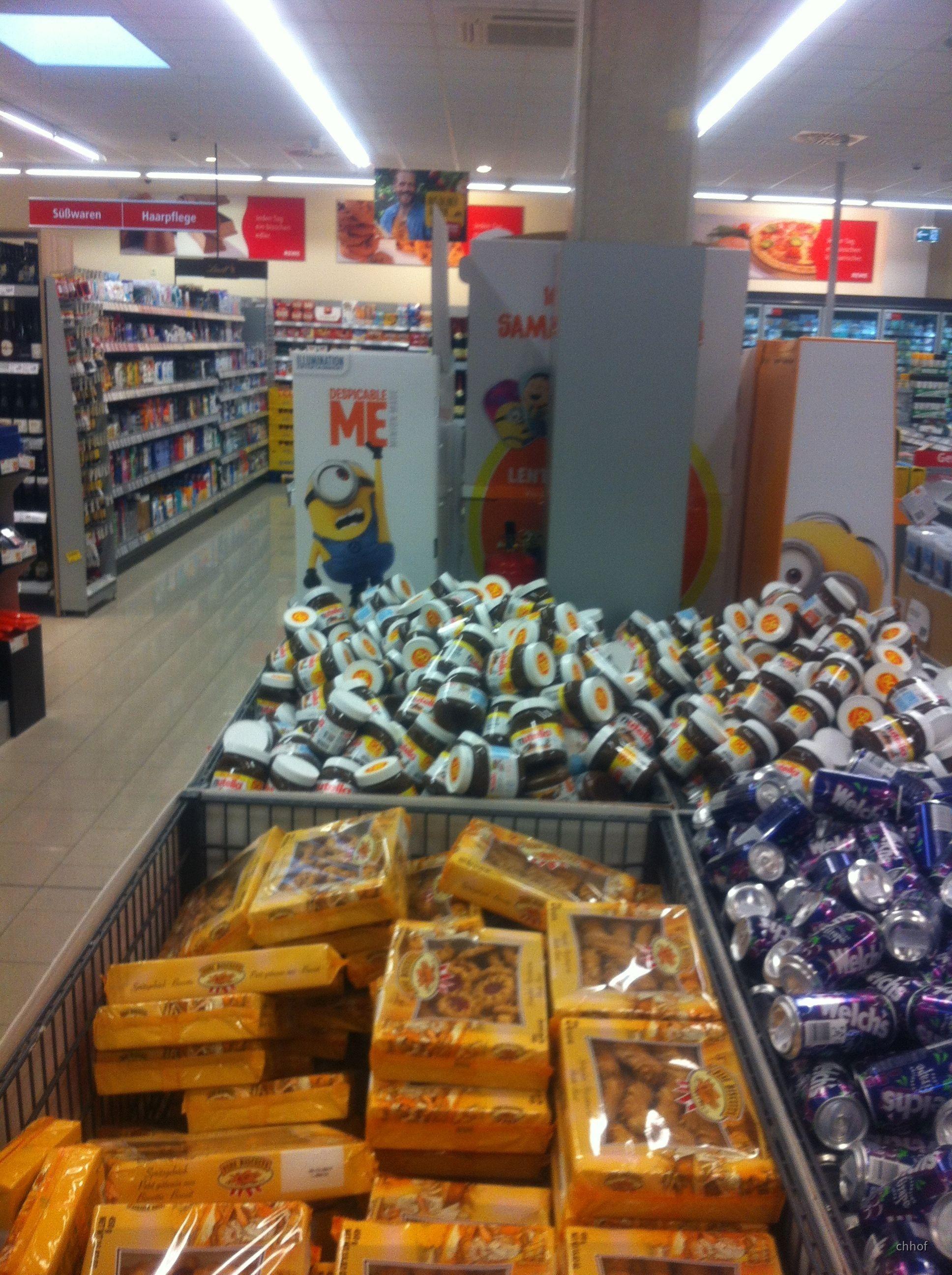 Feuerlöscher im Einkaufsmarkt-2