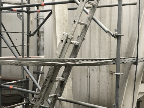 Leiter - keine Standsicherheit (3)